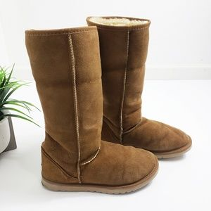 UGG Classic Tall Chestnut Boots Size 10